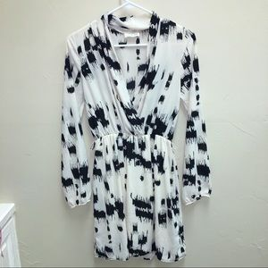Everly - cross front printed dress - VGUC SZ S